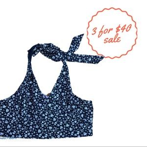 AMERICAN EAGLE AEO cropped navy floral halter top